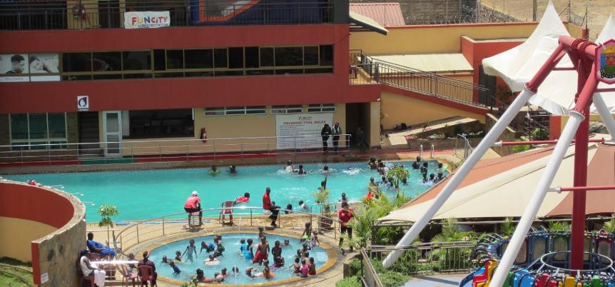 Funcity Swimming pool, utawala