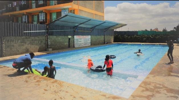 Daxton Garden, Kandisi  Swimming Pool